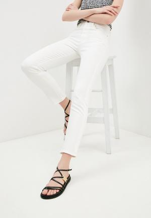 Джинсы Guess Jeans. Цвет: белый